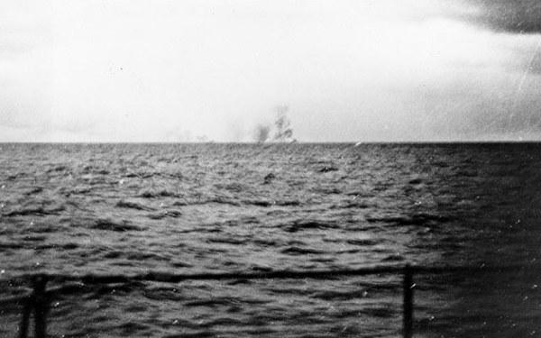 Battlecruiser Hood explodes