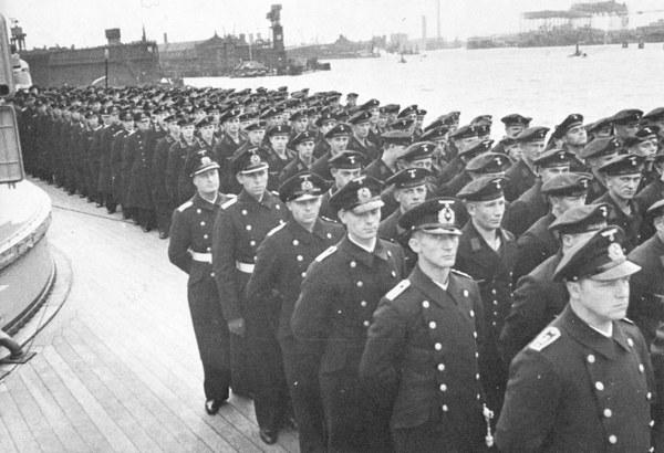 قصة مطاردة واغراق البارجة الاسطورة بسمارك Bismarck31